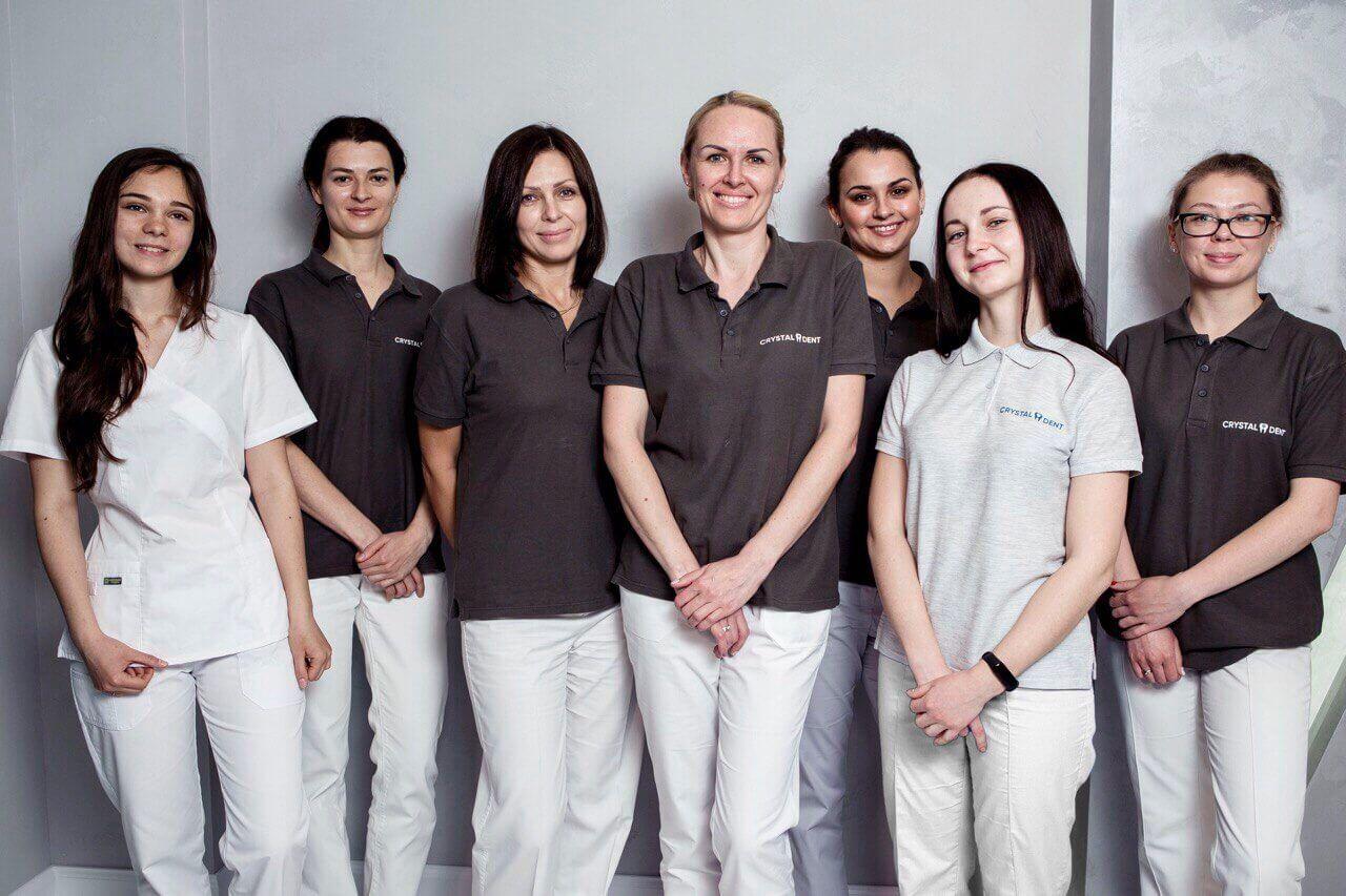 стоматологи Голосеевский район - CrystalDent